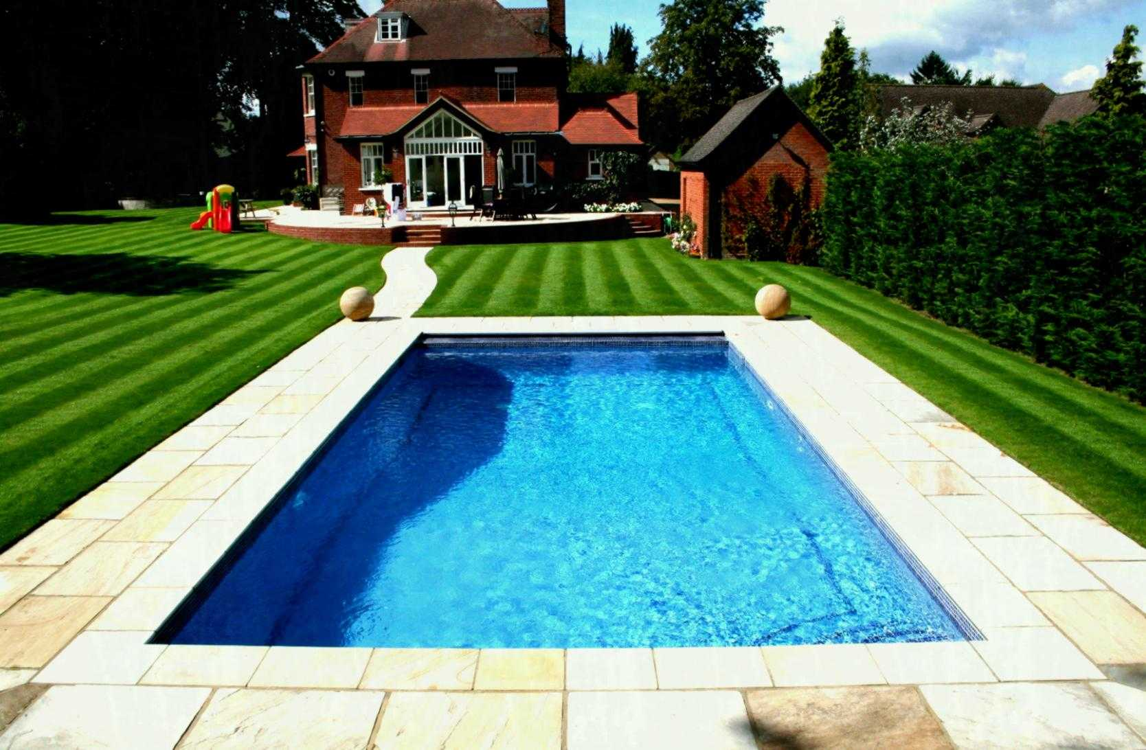 литр бассейн в саду картинка свою цену
