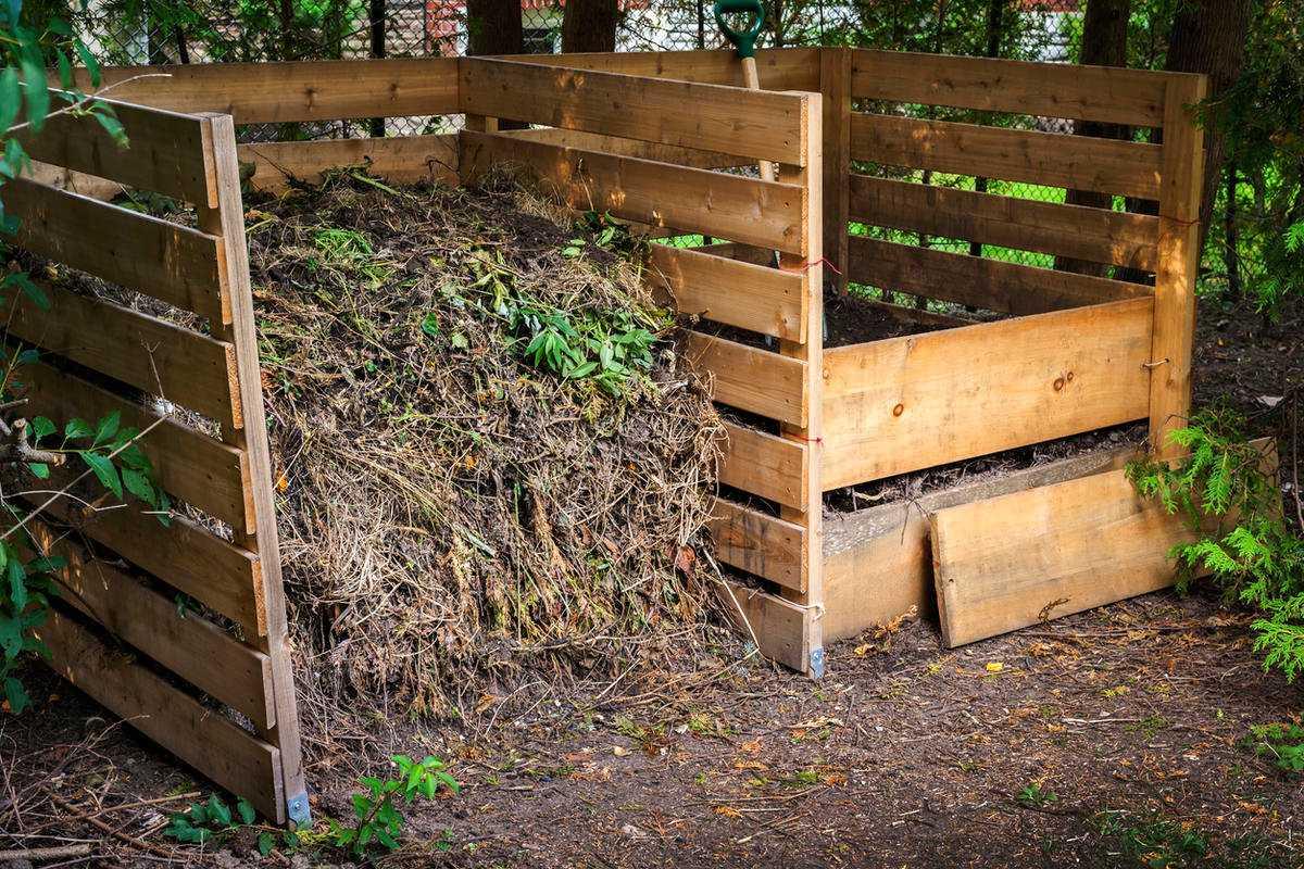 фото компостного короба для дачи пятна высыпания