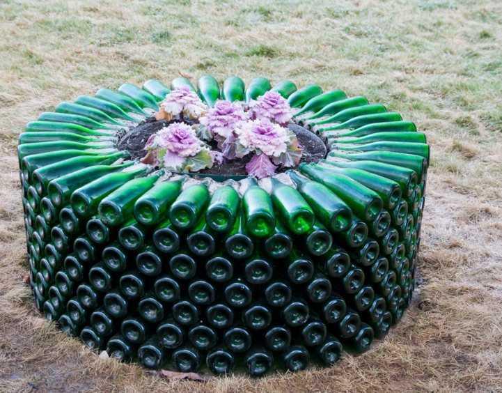 Как сделать ограждение клумбы из пластиковых бутылок своими руками